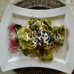 Tortellacci verdi con Pancetta Affumicata Nostrana, Spinacini e Ricotta Salata